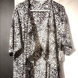 NWT Lularoe Shirley (M) Fits up to 2X